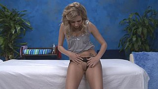 Blonde skinny Massage girl Kodi