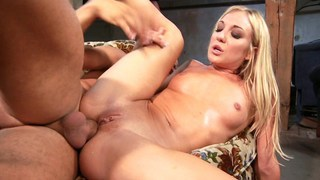 Anal workout for the sweaty blonde