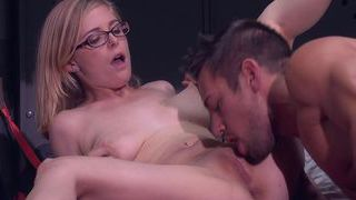 Shaved pussy for the delivery man