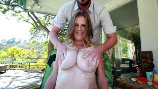 Busty hottie Olivia Blu receiving a nice tit massage