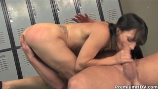 Kirra Lynne fucked in ass in a locker room