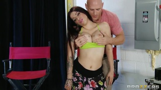 Curvy and busty Daisy Cruz wants to feel the rhythm