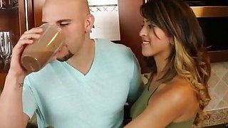 Latina teen Sophia Leone shows her riding skills after bj