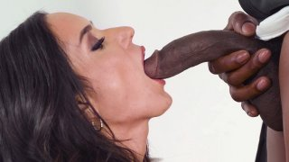 Tia Cyrus is sucking the huge black boner in the kitchen