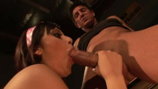 Brunette skanks Audrianna Angel and Danni Cole give double blowjob