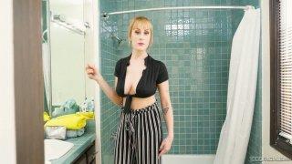 Juggy slender blonde Maxim enjoys gagging and sucking massive dick