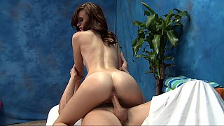 Flexible masseuse rides cock repeatedly