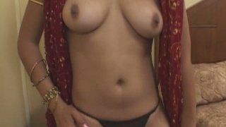 Bootylicious Indian slut Ishu doesn't mind teasing two dicks at once