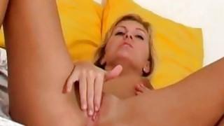Sexy Lisa Vibrating Her Twat