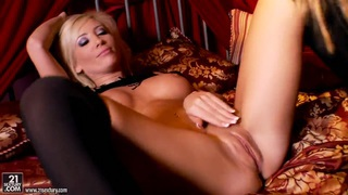 Hot babes Tasha Reign and Sandy getting horny and naughty on the bed