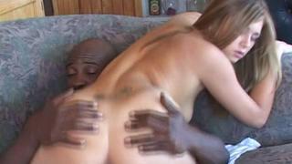 Hot ebon man is banging his very white girlfriend