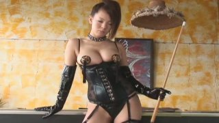 Scorching Japanese maiden Hitomi Tanaka is a very bad girl