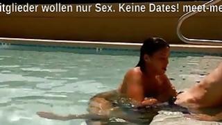 Blowjob am Pool von Latina